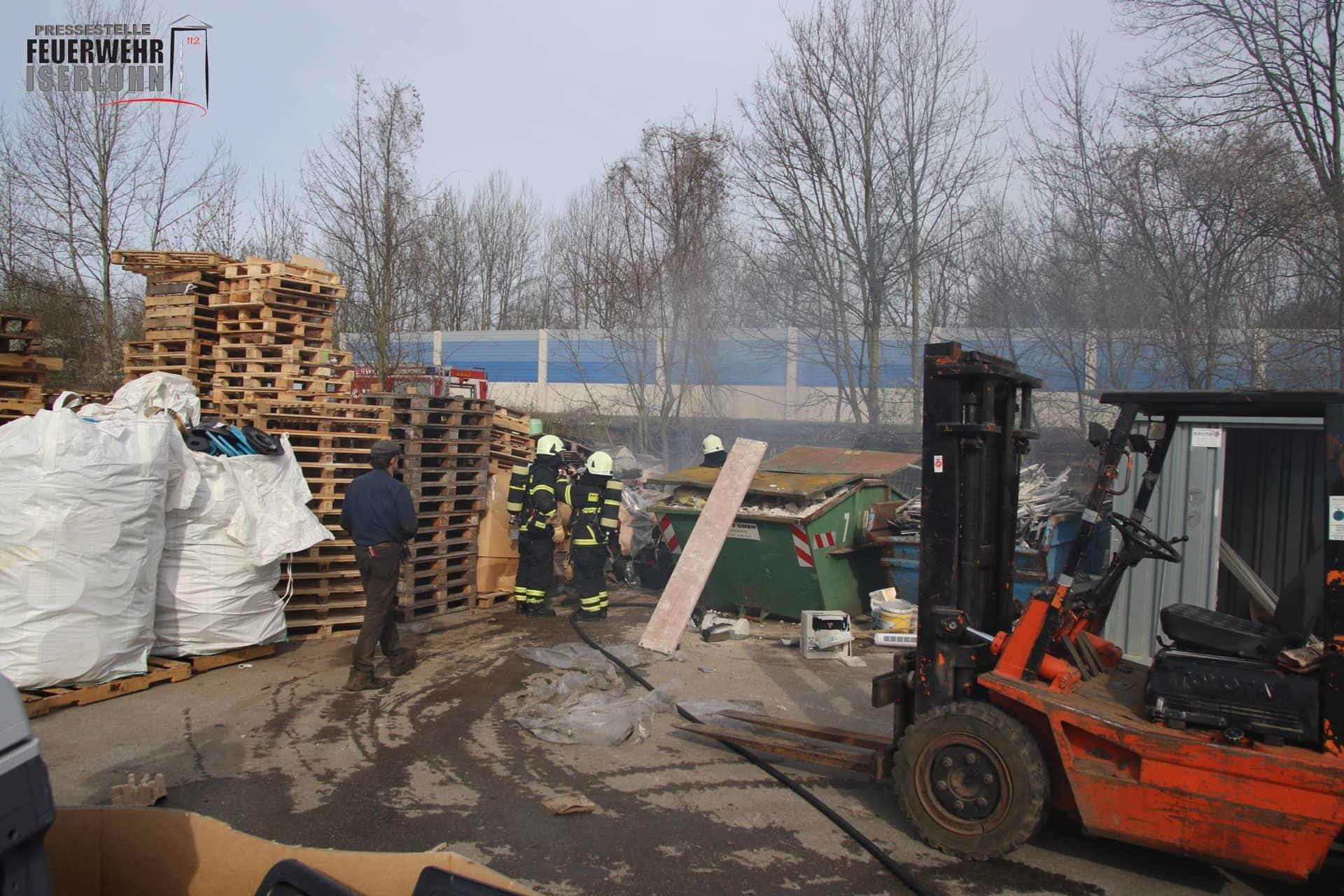Brand auf einem Recyclinghof