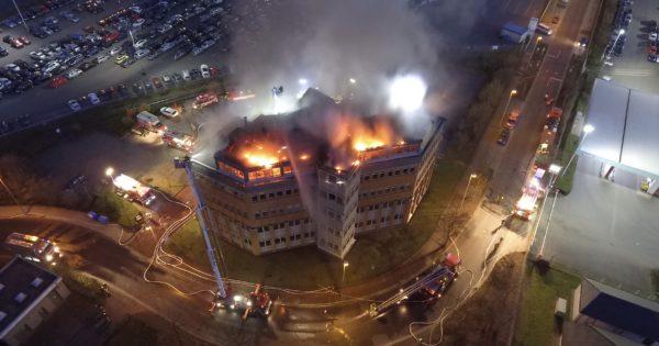 Bürogebäudebrand Neuss